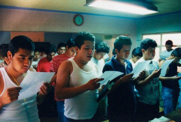 Admitimos ante Dios, ante nosotros mismos y ante otro ser humano, la naturaleza exacta de nuestros defectos. Chimalhuacán, EDOMEX 2008.
