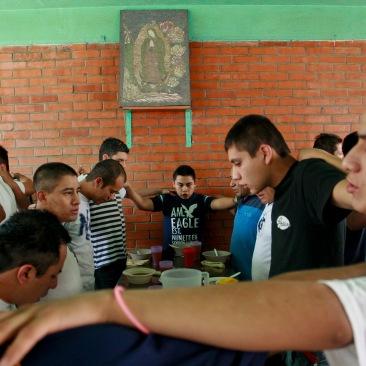 Oración antes de comer. Nezahualcóyotl, EDOMEX 2013.
