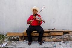 Músico xantolero. Huejutla Centro, Hidalgo 2014.