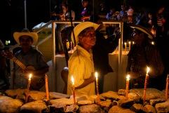 Miles de velas encendidas en el centro de Huejutla. Huejutla Centro, Hidalgo 2014.