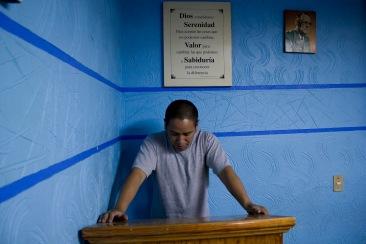 "Me llamo ""fulano de tal"", y soy un adicto II. Chimalhuacán, EDOMEX 2010."