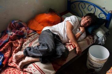 Valoración, cubeta donde vomitan los adictos de nuevo ingreso II. Chimalhuacán, EDOMEX 2010.